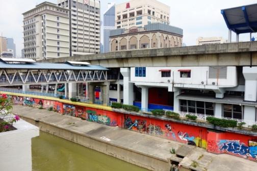 Confusing pedestrian infrastructure (Kuala Lumpur, Malaysia)