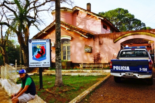 "The 'overflow"" police station in Puerto Igauzu?"